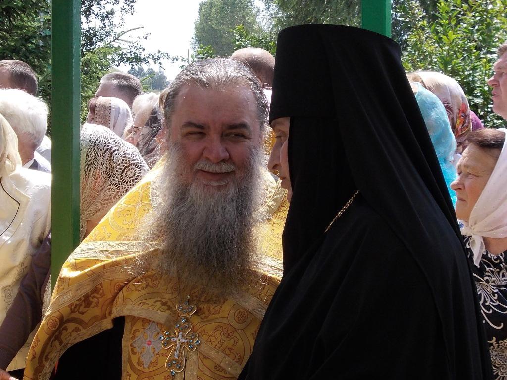 с духовником обители -архимандритом Серафимом (Петручиком).JPG