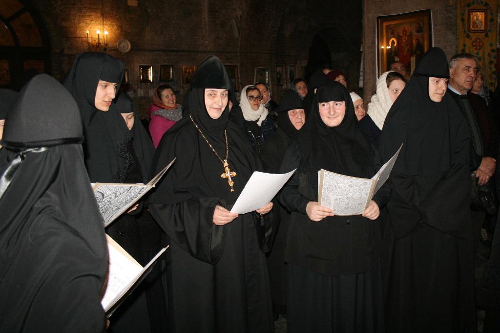 в монастырском хоре.jpg